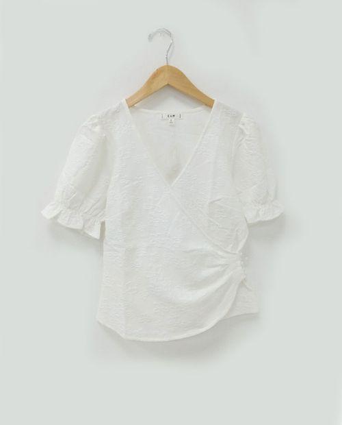 Blusa  c textura off white