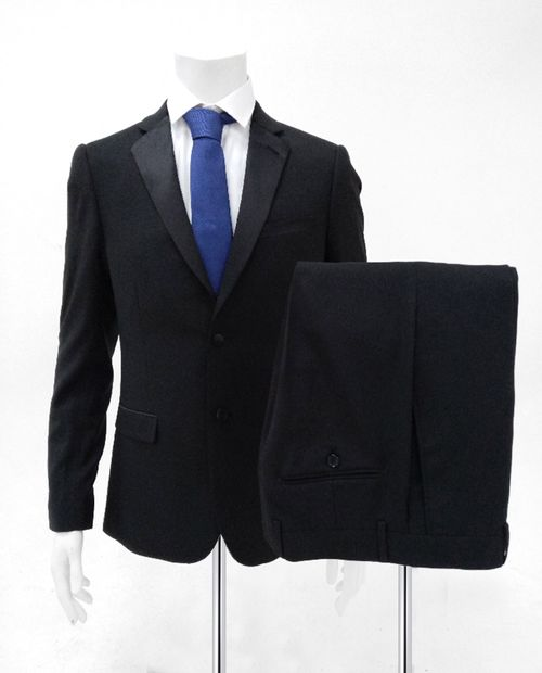Tux negro