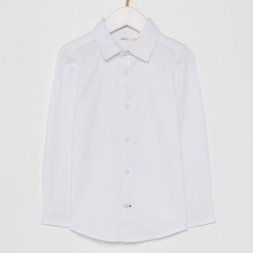 Camisa blanca casual para niño