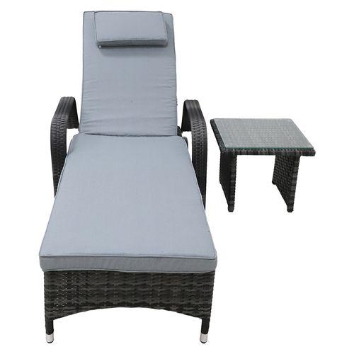 Chaise lounge con mesa