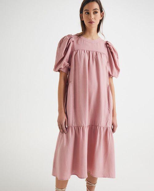 Vestido tencel con volantes cuello caja con cierre trasero de botones rosado