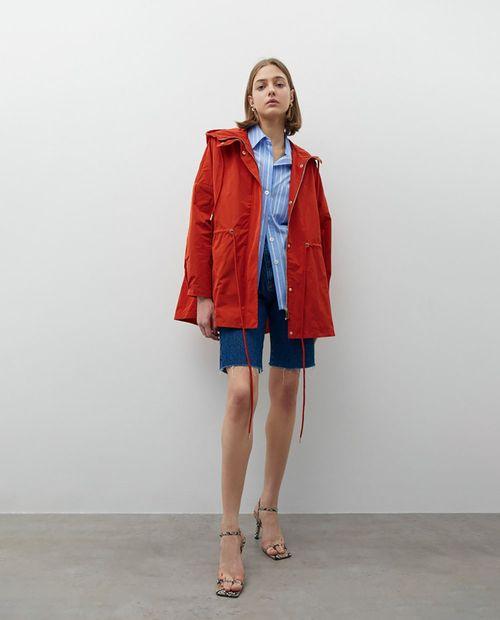 Abrigo c/ capucha naranja