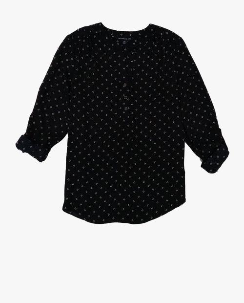 Blusa  estampada blanco con negro tipo tunica manga roll up