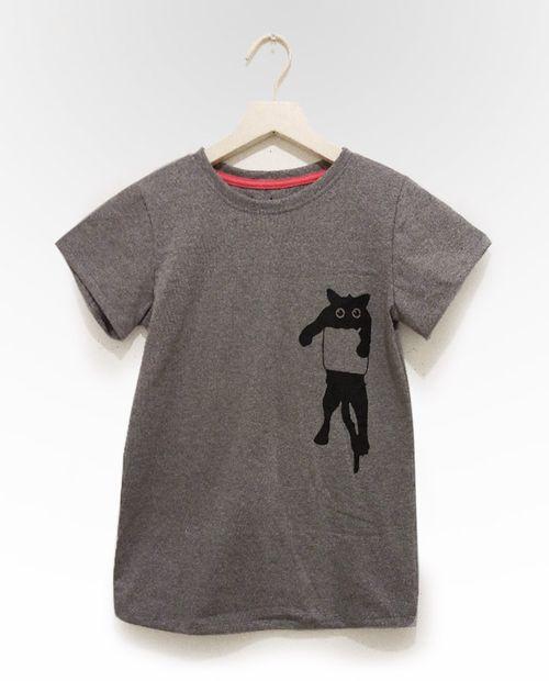 Blusa gris claro print en medio gato en bolsa