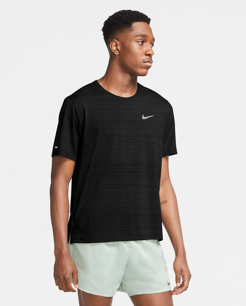 Camisa deportiva negra