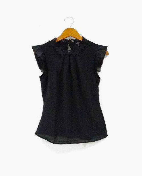 Blusa  solida black (lulumari)